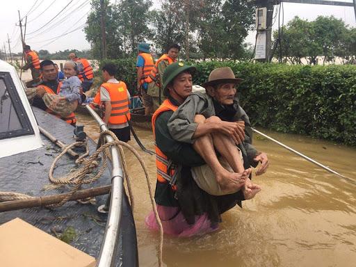 Công tác cứu nạn Miền Trung